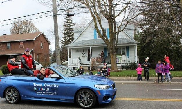 Veterans honoured at 45th Annual Santa Claus Parade
