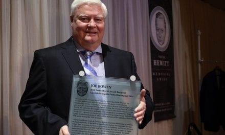 Joe Bowen honoured by Hockey Hall of Fame
