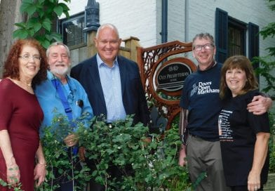 Mayor Frank Scarpitti and MVC visit Heritage Home
